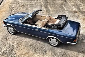 Кабриолет Mercedes синий ретро